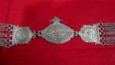 یکی از هنرهای مهم شهرستان مهدیشهر یا سنگسر، «چَنگوم سازی» است که نوعی ملیلهکاری نقره است و زیوری زنانه محسوب میشود. قدیمیترین اشیای ملیلهای ایران به روایت اکثر محققان متعلق […]